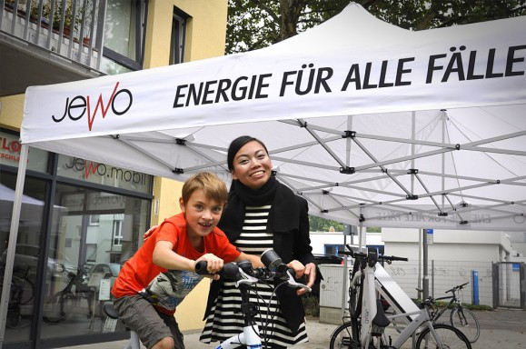 Auch schon die Kleinen testen die Mobilität der Zukunft. Bild © Jewo Batterietechnik.