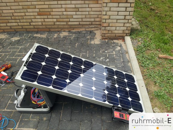 Verschiedene Solarmodule wurden getestet. Bild © Sven Haybach.