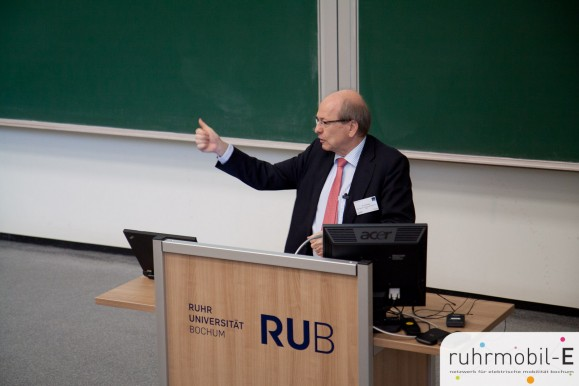 Dr. Veit Steinle vom Bundesministerium für Verkehr und digitale Aufgaben erläuterte die Einbettung des RUB-Projektes in die Strategie der Bundesregierung. Photo Ernesto Ruge.